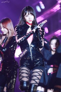 dedicated to female kpop idols. K Pop, Kpop Girl Groups, Kpop Girls, Ahn Hani, Street Dance, Stage Outfits, Seoul Music Awards, Costume, In Pantyhose
