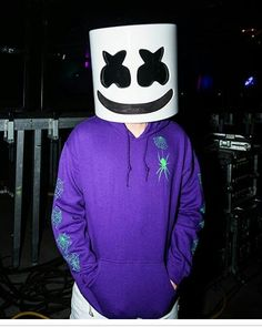 Dj Alan Walker, Dj Marshmello, Marshmello Wallpapers, Itslopez, Emoji Wallpaper, Screen Wallpaper, Mobile Wallpaper, Youre Crazy, Edm Festival
