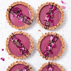 Spring tartlets with quinoa crust 🌸🌸 Vegan, refined sugar free, gluten free. _ Bye bye👋🏻 ✈️ a new adventure is waiting for us, as we're… Tart Recipes, Dessert Recipes, Cooking Recipes, Fancy Desserts, Vegan Desserts, Sweet Tarts, Cookies Et Biscuits, Food Processor Recipes, Cake Decorating
