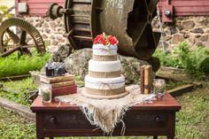 Burlap Style Wedding Cake | Country Rustic Wedding Inspiration | Country Chic Wedding | Published on Rustic Wedding Chic | Idalia Photography | NVS Events | Red Mill Museum Village | Trunk Vintage Rentals