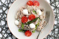 Fitness recepty s vysokým obsahom bielkovín Mozzarella, Tofu, Cobb Salad, Quinoa, Healthy Recipes, Healthy Food, Vegan, Chicken, Fitness