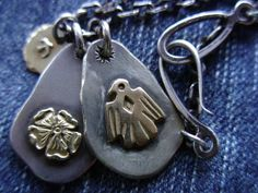 「印台メタル」現在、店頭で見かけるものとは違いメタルのふちが叩いていないタイプです。 Jewelery, Personalized Items, Rings, Silver, Indian, Accessories, Inspiration, Style, Necklaces