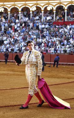 Pablo Aguado toma alternativa en #Sevilla #LaMaestranza