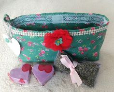 Fabric Gift Bag Of Lavender Heart Soaps And Fresh Lavender Buds Pouch, Gift Idea Organza Flowers, Organza Bags, Gifts For Nan, Gifts For Women, Fabric Gift Bags, Lavender Buds, Floral Bags, Gift Sets, Handmade Crafts