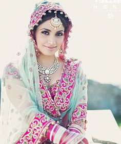 Loving the mix of unusual colours! What do you think of the mixture of jewellery?