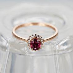 Valentinstag - Oval Cut Ruby Verlobungsring Rose Gold - ein Designerstück von JWstudio bei DaWanda