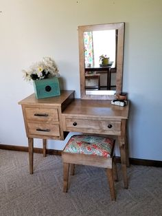 Makeup Vanity Modern Minimalist - mid century modern makeup and vanity table with inset drawers Mirrored Vanity Table, Mirrored Bedroom Furniture, Metal Patio Furniture, Furniture Vanity, Refurbished Furniture, Diy Furniture, Bedroom Decor, Dressing Table Vanity, Bathroom Furniture