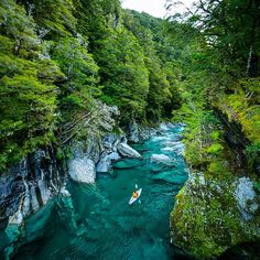 The Blue Pools is one of those places you have to see to believe. The glacial River has a crazy color and is way deeper (and colder)  than it looks. :) So glad we hiked a Kayak out here to explore.  @eric_supertramp @preston__allen @karimiliya @lakewanakanz @airnz