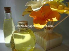 difusor de ambientes e flores de origami em vaso de cerâmica. Decorativo e perfumado.