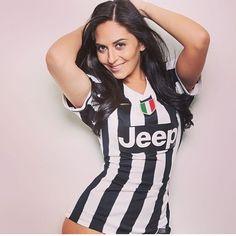 Soccer Fans, Football Fans, Nfl, Hot Fan, Football Girls, Juventus Fc, Sport Girl, Girls Jeans, Festival Fashion