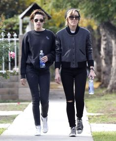 Kristen Stewart Out To Coffee With Her Former Assistant-Turned-Rumored-Girlfriend Alicia Cargile - http://oceanup.com/2014/12/14/kristen-stewart-out-to-coffee-with-her-former-assistant-turned-rumored-girlfriend-alicia-cargile/
