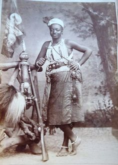 ) These Women are majestic, beautiful Warriors! Black History Facts, Strange History, African Tribes, African Diaspora, Asian History, British History, Voodoo, Ghana, Dahomey Amazons