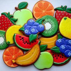 Лето, фрукты и не только фрукты -отличный презент в виде пряников! #имбирныепряникикараганда #пряникикараганда #Караганда