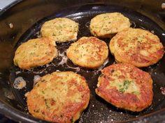 Grönsaksbiffar - ZEINAS KITCHEN Falafel, Mashed Potatoes, Foodies, Eggs, Breakfast, Ethnic Recipes, Morning Coffee, Smash Potatoes, Egg