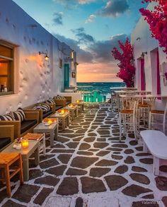 Naoussa Paros, Cavo Tagoo Mykonos, Architecture Design, Bon Plan Voyage, Road Trip, Paros Island, Blue Hour, Greece Travel, Greece Trip