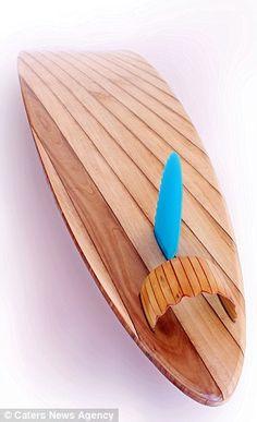 Kahikatea en Pauwlonia hout, duurste surfboard ter wereld dankzij gouden logo