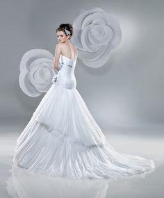 2206 Wedding Dress (Back) – Benjamin Roberts 2011 Collection