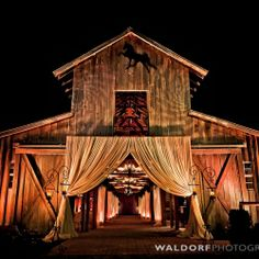 The Carriage House in Tennessee has held some of the most incredible barn weddings of all time.   by Waldorf Photographic Art