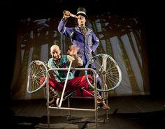 """O espetáculo infantil """"A Volta ao Mundo em 80 dias"""" leva crianças a partir de 4 anos à aventura do célebre romance de Júlio Verne. Peça é da Cia Solas de Vento, de São Paulo. Apresentações ocorrem dias 7 e 8 de março, às 16h, no Teatro Londrina do Memorial de Curitiba. Entrada é Catraca Livre. Dois atores em...<br /><a class=""""more-link"""" href=""""https://catracalivre.com.br/curitiba/agenda/gratis/aventura-peca-infantil-leva-criancas-a-volta-ao-mundo-de-julio-verne/"""">Continue lendo »</a>"""