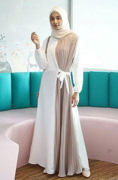 Dresya Dress Col : White, Pink Mat : Moscrepe mox plisket Ukuran : All Size fit to xl . Hub… – self-balanced-girls Batik Fashion, Abaya Fashion, Muslim Fashion, Fashion Wear, Women's Fashion Dresses, Baggy Pants, Abaya Designs, Muslim Dress, Beautiful Dresses