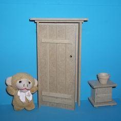 Porta feita em mdf, utilizada em decora��o de cenarios/porta maternidade <br> <br>Obs:Criado mudo vendido separadamente, acess�rios n�o acompanham o produto.