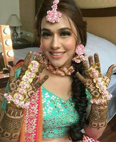 Garden Party Outfit Girl Ideas For 2019 Bridal Mehndi Dresses, Mehendi Outfits, Bridal Wedding Dresses, Wedding Wear, Bridal Lehenga, Wedding Bells, Wedding Bride, Wedding Flowers, Mehndi Makeup