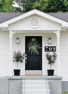Great inexpensive curb appeal ideas.  Transform your front door on a budget. thistlewoodfarms.com