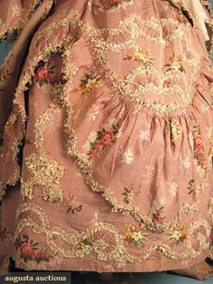 Detail pic of Rose Silk Sack-back Open Robe, showing the subtlety​ striped silk with embroidered floral sprays, gathered flounces, ruching, and profuse use of lace. 18th Century Dress, 18th Century Fashion, Clothing And Textile, Antique Clothing, Historical Costume, Historical Clothing, Vintage Outfits, Vintage Fashion, Rococo Fashion