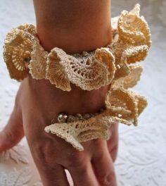 Delicate, romantic, flirty - love it!!