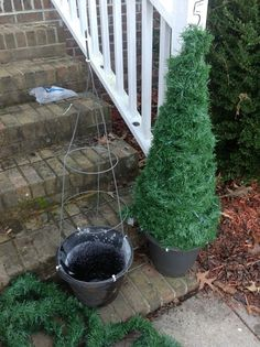 Christmas decor DIY Front Porch Christmas Tree Ideas On A Budget 32 Porch Christmas Tree, Diy Christmas Lights, Beautiful Christmas Decorations, Simple Christmas, Christmas Holidays, Winter Decorations, Tomatoe Cage Christmas Tree, Porch Tree, Diy Christmas Yard Decorations