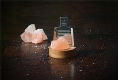 スウェーデン発の岩塩「rivsalt」が、食卓塩の使い方を変える | roomie(ルーミー)