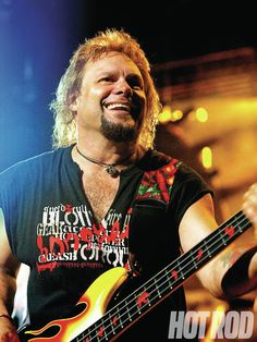 Google Image Result Michael Anthony Van Halen, Rock Music History, Red Rocker, Mike And Mike, Best Rock Bands, Is 61, Glam Metal, Great Bands, Hard Rock