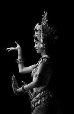 Khmer dancer. S) One day soon i'd like to draw one of my amazing friends as a Khmer Mermaid so she knows i think about her all the time even tho i'm mlies away. Miss you sis.