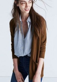 The latest and hot selling clothing in any fashion store are the cardigans. Cardigans for women are on high demand … Fall Outfits, Casual Outfits, Cute Outfits, Casual Shirts, Casual Dresses, Summer Outfits, Look Fashion, Autumn Fashion, Fashion Outfits