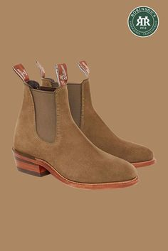 R.M. Williams Lady Yearling boot in eucalypt suede – new this season! Featuring a sleek, narrow profile and a leather stacked 4.5cm block heel.   #rmwilliams #eucalypt #chelseabootsforwomen #robinsonsshoes #rmwilliamsboots R M Williams Boots, Rm Williams, Slip On Boots, Shoe Tree, Summer Outfits Women, Types Of Shoes, New Shoes, Block Heels, Chelsea Boots