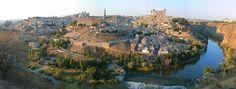 Πανοραμική θέα του Τολέδο. Το όνομα του Τολέδο (από το λατινικό Toletum «χτισμένο σε ύψος») είναι συνδεδεμένο με την ουσία της μεσαιωνικής Ισπανίας.