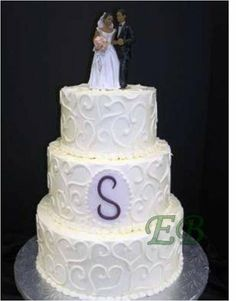 Modern Ivory White Monogrammed Round Spring Wedding Cakes Photos & Pictures - WeddingWire.com