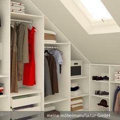 Ankleidezimmer für unter das Dach, bestehend aus einem offenen Kleiderschrank und einem Sideboard mit Maßen, passend für die Dachschräge.