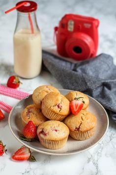 Szukacie sprawdzonego, prostego przepisu na najlepsze wegańskie muffinki? Oto on! Minimalna ilość składników, krótki czas przygotowania i p...