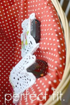 Ruffled Sunshine: Pimp My Bike: Basket Liner Tutorial..love the little interior pockets for glasses & cell phone!!