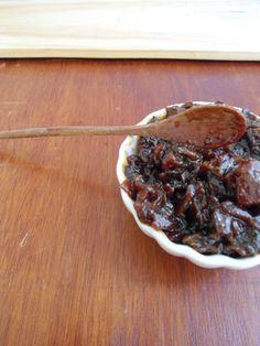 """Já tem bastante tempo que vi essa receita de geleia num blog americano. Achei que era apenas uma daquelas experiências culinária estranhas, tipo """"porco-pizza"""". Só que a receita se espal…"""