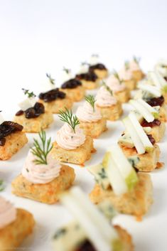 This delicious smoked salmon mousse is so quick to prepare - just 5 minutes in a blender. Amazing as a canapé or a dip for your next party. Smoked Salmon Canapes, Smoked Salmon Mousse, Smoked Salmon Recipes, Canapes Recipes, Appetizer Recipes, Salmon Mousse Recipes, Salmon Spread, Light Appetizers, Party Appetizers