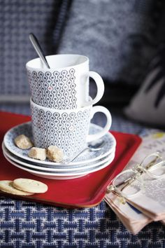 The perfect cup of tea in the Foulard Star mug, part of the Royal Doulton ceramic range.