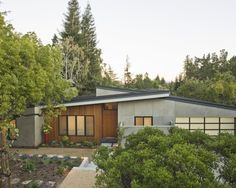 Mid Century Modern Renovation Ideas / Exterior Landscaping
