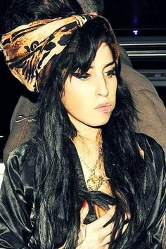 Amy Winehouse 841ac0480f44c7005e8abeea83a50c03