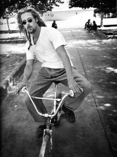 BRAD PITT - Bike