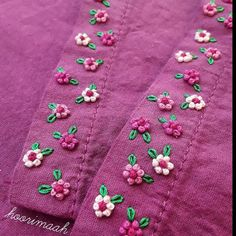 french knots in cross stitch Diy Embroidery Patterns, Embroidery On Kurtis, Basic Embroidery Stitches, Hand Embroidery Videos, Hand Embroidery Tutorial, Embroidery Flowers Pattern, Hand Work Embroidery, Flower Embroidery Designs, Creative Embroidery