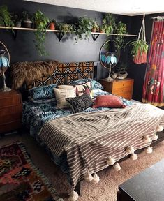 44 Beautiful African Bedroom Decor Ideas - All About Decoration African Bedroom, Interior, Home Decor Trends, Home Decor, Apartment Decor, Minimalist Bedroom Color, Trending Decor, Bedroom Colors, Rustic Bedroom