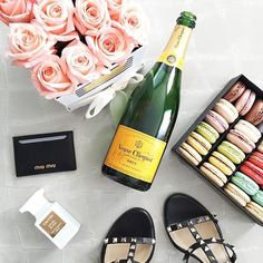 Weekend essentials👌🏼Also linking my Friday #ootd that includes these super chic sandals, as well as a dupe for them that's less than $80! 🙌🏼 Shop it all here: www.liketk.it/2k6fW Happy Friday, lovelies! #weekendstyle #veuveclicquot #macarons #miumiu #valentino #loveliesfavorites #rcmemories @ritzcarlton #forallthingslovely #travelwithlovely