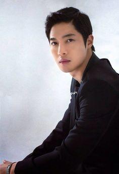 Kim Hyun Joong<3 este oppa esta de vuelta